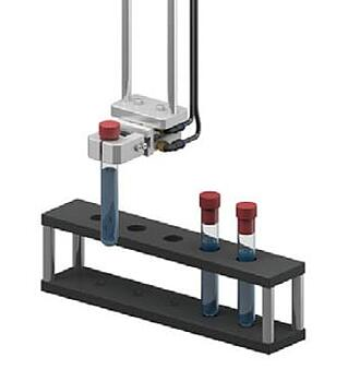 Gripper with pneumatic